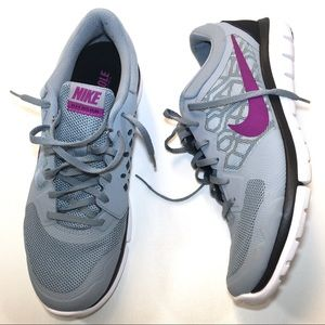 NIKE FLEX 2015 RUN Gray Purple Black Women's Sz 11